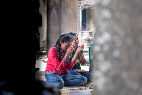 Praying #Angkor