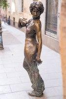 Estatua - Ella